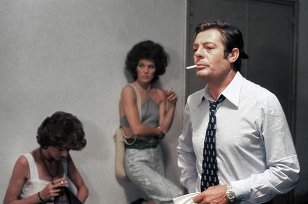 FEMME DU DIMANCHE 1976 05