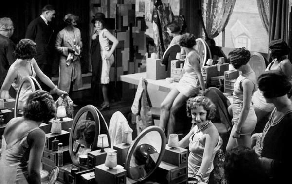 AU BONHEUR DES DAMES 1929 01