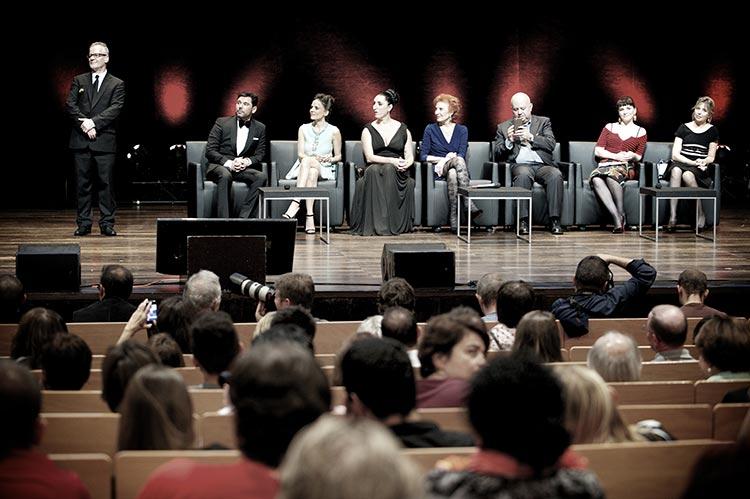 Thierry Frémaux, Miguel Poveda, Elena Anaya, Rossy de Palma, Marisa Paredes, Agustín Almodóvar et Juliette Binoche